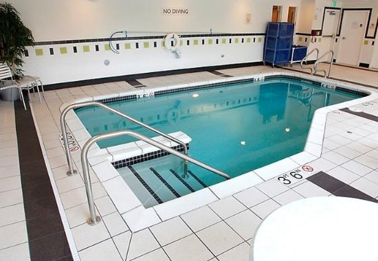 Fairfield Inn & Suites Rockford: Indoor Pool