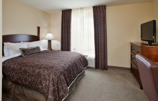 Independence, MO: One Bedroom Suite