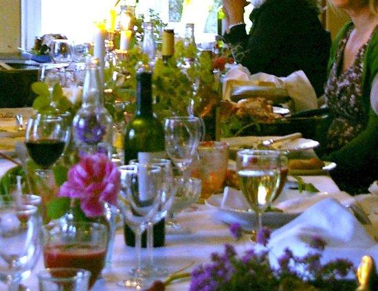 Ringsaker, Norwegen: Belevent aftensbord