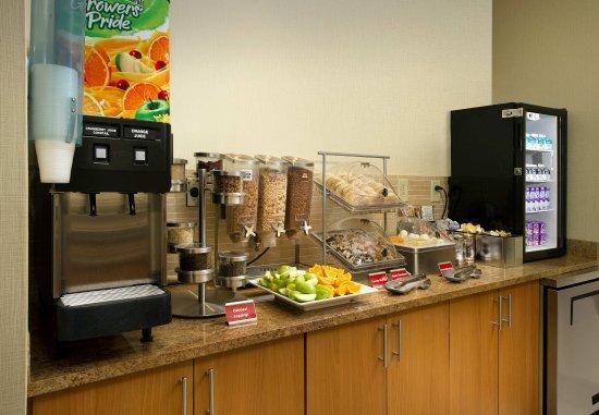 Lexington Park, Maryland: Breakfast Buffet
