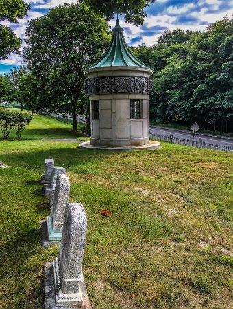 Mount Hope Garden Cemetery: Mount Hope Garden Cemetery.