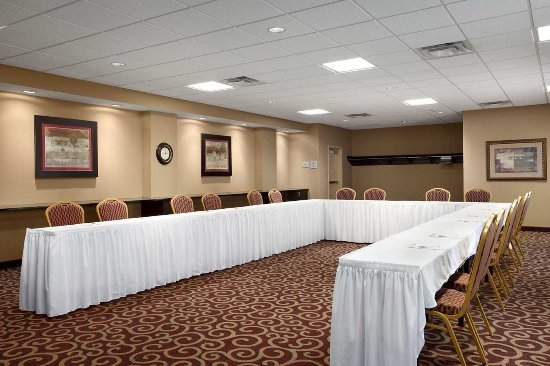 Hampton Inn & Suites Rochester - North: Meeting Room