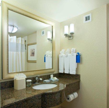 ริดจ์ฟิลด์พาร์ค, นิวเจอร์ซีย์: Guest Bathroom