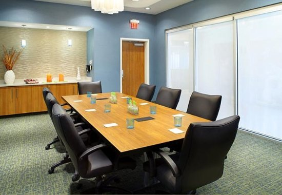 Webster, TX: Executive Boardroom