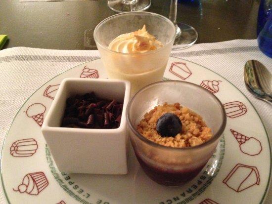Cafe de l'esperance : Buffet de dessert à volonté