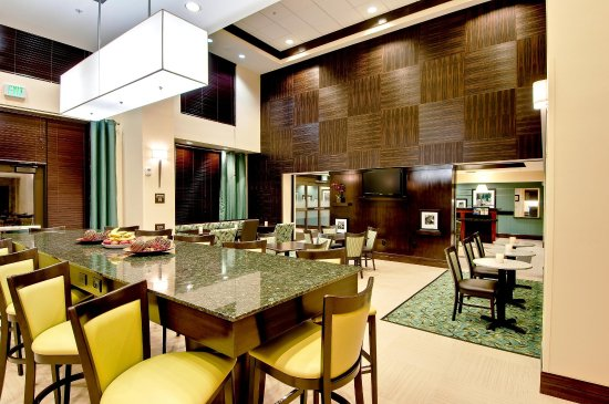 Thousand Oaks, Kalifornien: Breakfast and Lobby Area