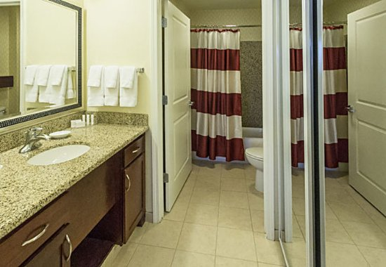 Yonkers, NY: Studio Suite Bathroom