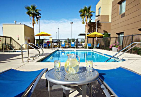 Goodyear, AZ: Outdoor Pool