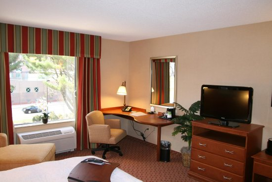 East Hartford, CT: King Accessible Room