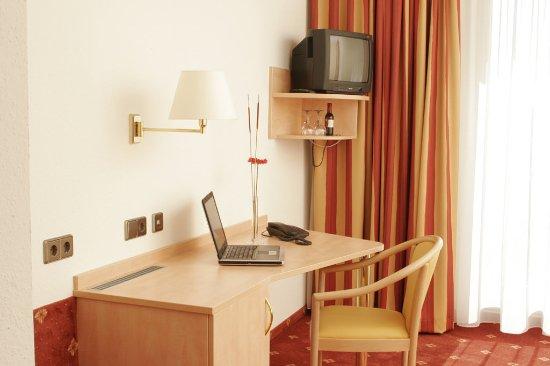 Gaufelden, Γερμανία: ARAMIS hotel room