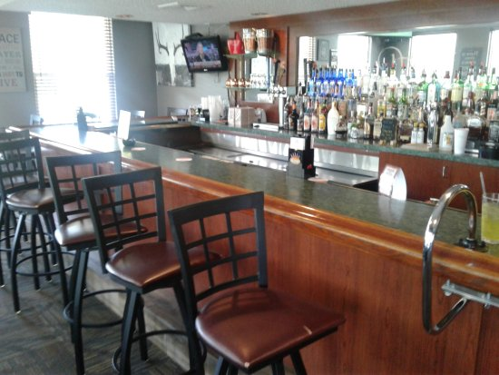 Troy, MO: Bar area