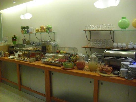 Hotel Garni Renania: ein Teil des reichhaltigen Fruehstuecksbuffet