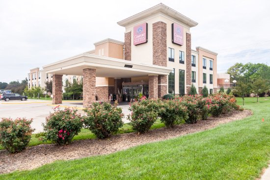 Comfort Suites East Lincoln  Hotel Reviews Photos