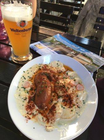 Klosterschenke Weltenburg: House made sausage and weissebier