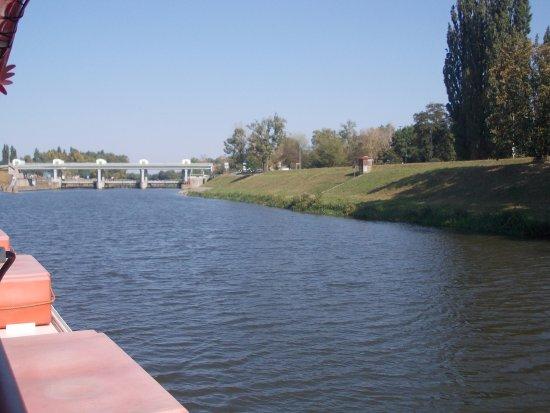 Pardubice, República Checa: odplutí z přístavu