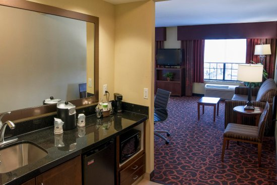 Watertown, Dakota del Sud: King & Queen Suites Wetbar