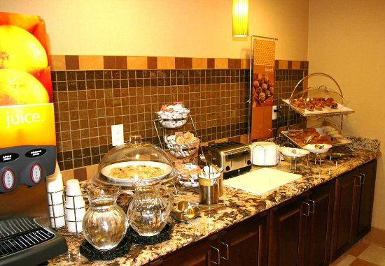 Watertown, Dakota del Sud: Hot Breakfast Buffet