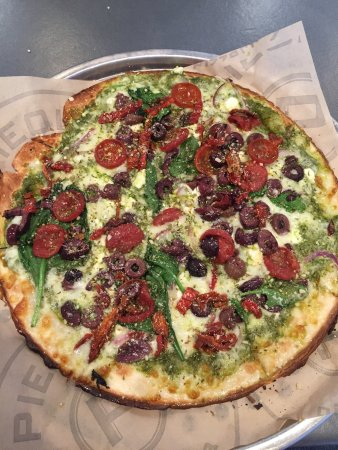 Alpharetta, GA: My pesto pizza!