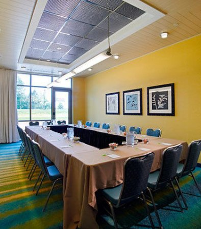Ewing, NJ: Meeting Room
