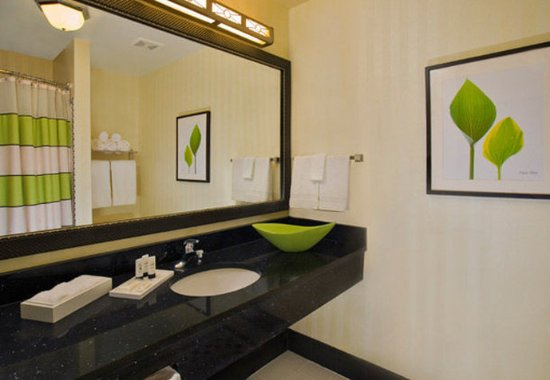Avon, IN: Guest Bathroom
