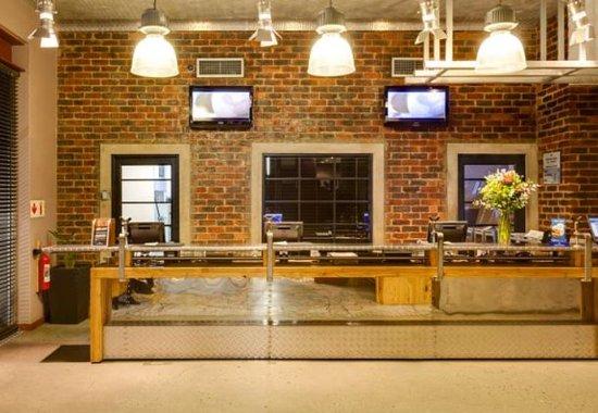 Kempton Park, Sudáfrica: Front Desk