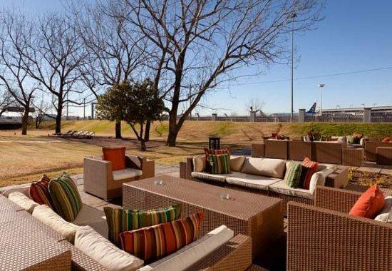 Kempton Park, Südafrika: Outside Lounge