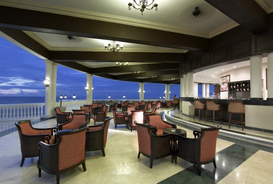 Grand Palladium Jamaica Resort & Spa: Grand Palladium Jamaica Bar Infinity