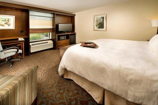 Pampa, TX: King Bedroom