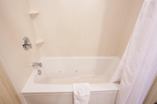 Yakima, WA: King Executive Guest Bathroom Shower