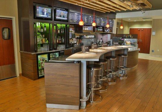 D'Iberville, มิซซิสซิปปี้: Bistro Bar