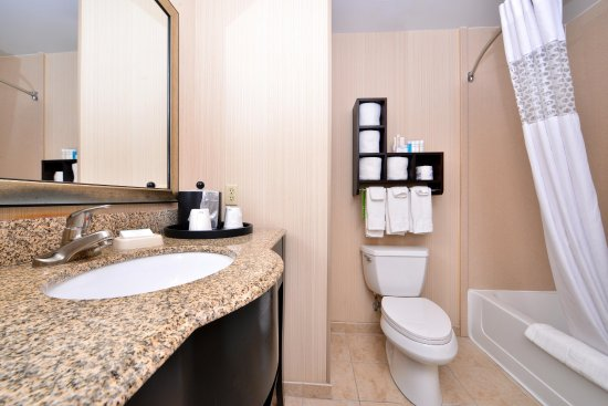 Pecos, TX: Standard Bathroom