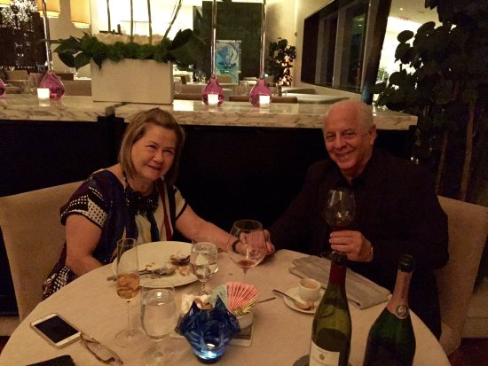 Azul at Mandarin Oriental: Back to Azul...enjoying our evening !