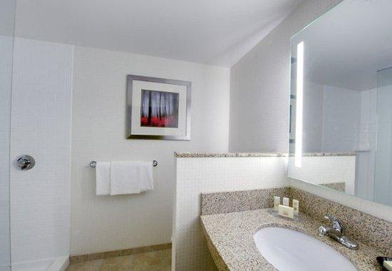 Keene, NH: Guest Bathroom