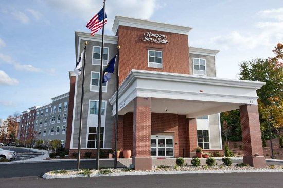 Welcome to the Hampton Inn and Suites Exeter!