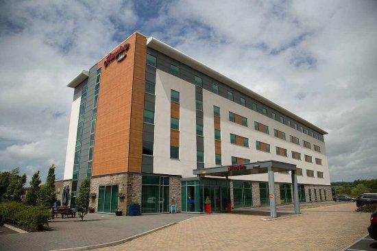 Magor, UK: Hotel Exterior