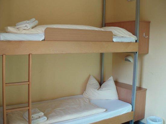 JUFA Hotel Graz City: triple room (old house)