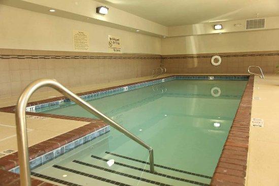 Hampton Inn & Suites Carlsbad: Pool