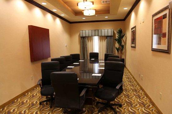 Hampton Inn & Suites Carlsbad: Boardroom