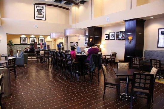 Hampton Inn & Suites Carlsbad: Lobby