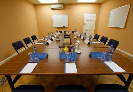 Chingola, Zambia: Conference Room – Boardroom Setup
