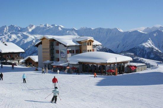 Fieschertal, สวิตเซอร์แลนด์: Our restaurant, shop and appartments on Fiescheralp 2222m. At.