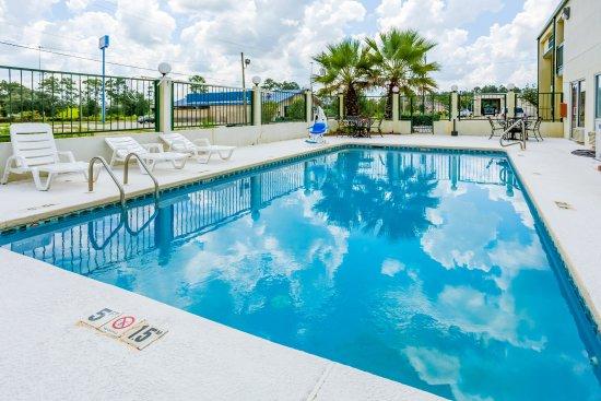 Super 8 Vandalia/Dayton International Airport : Pool