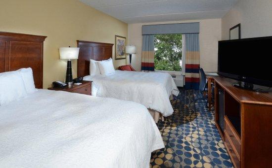 Huntersville, Carolina del Norte: Two Queen Bedroom