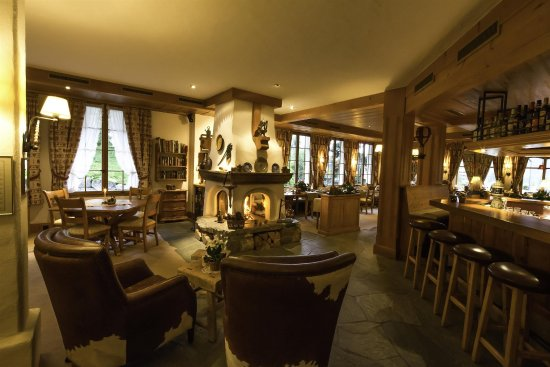 Hotel Le Grand Chalet: Bar