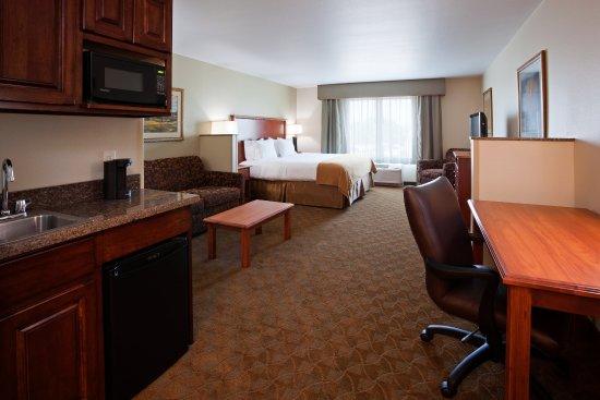 Mason City, IA: King Executive Suite