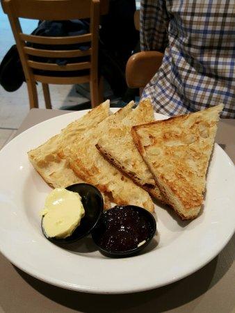 Chatswood, Australia: Toast and Jam