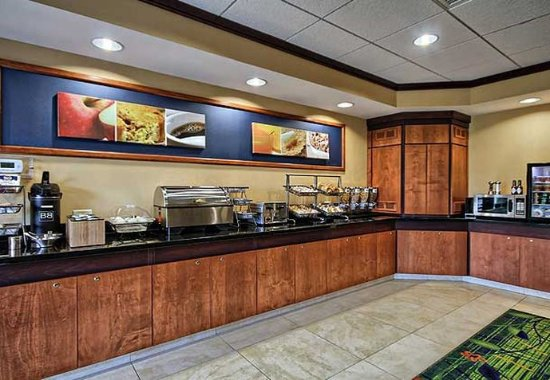 Huntingdon, PA: Breakfast Buffet