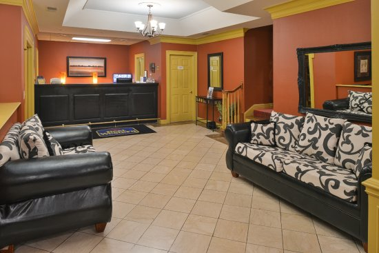 Brentwood, TN: Lounge Area