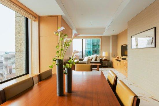 The Ritz-Carlton, Osaka: 2 Bedroom Deluxe Corner Residence