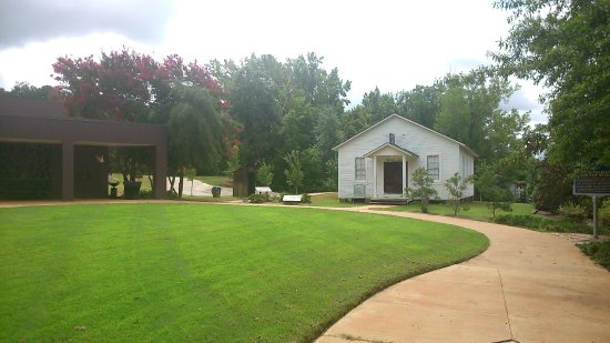The Chapel - Picture of Elvis Presley Birthplace & Museum